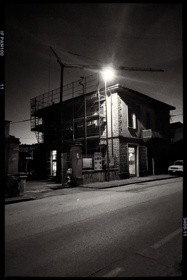 construct, urban, blackandwhite - fdetti | ello