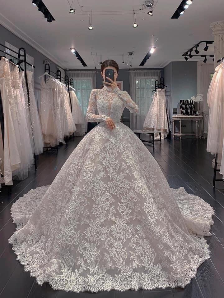 massive estate. wedding. surrou - xavqior   ello