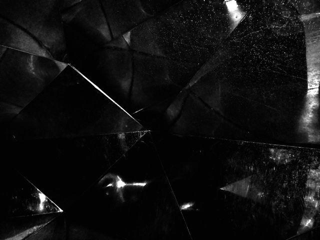 Ночные блики - black, night, abstract - igenvoicov | ello