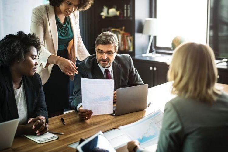 Online Business Management Syst - iexperto | ello