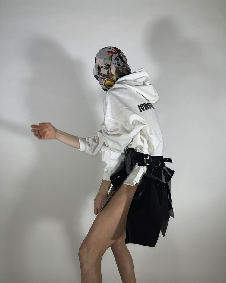 European styled sculpture skirt - jivomir_domoustchiev   ello