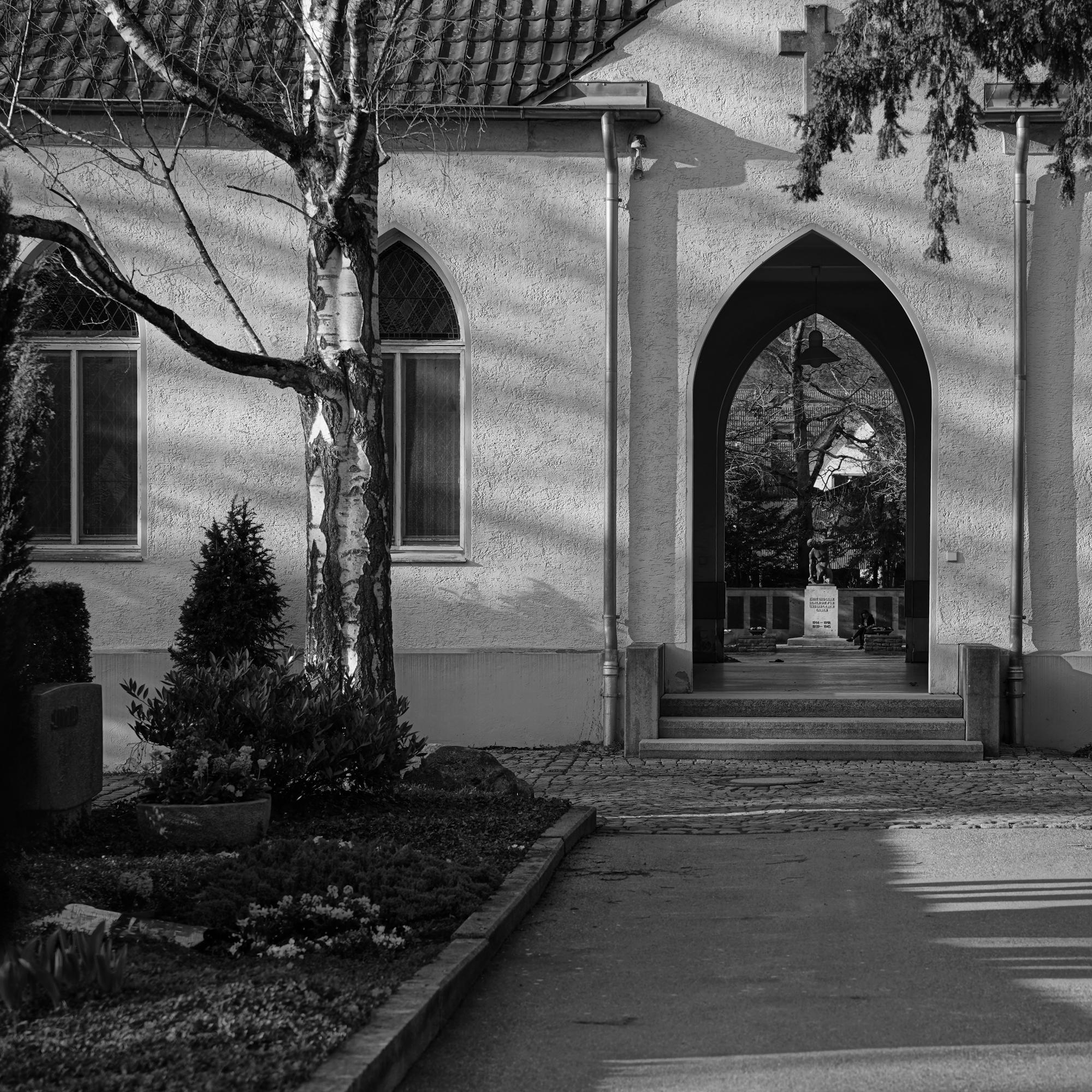 Pointed arch - photography, blackandwhite - marcushammerschmitt | ello