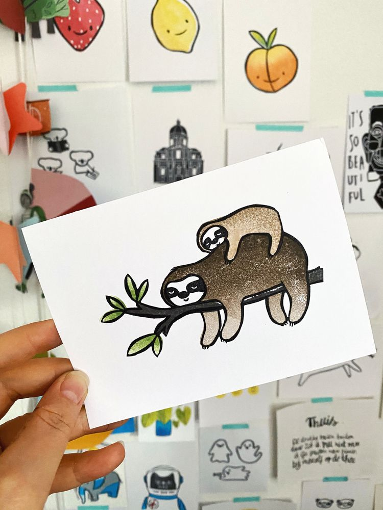 Mama baby sloth resting - mamasloth - luusjeindelucht | ello