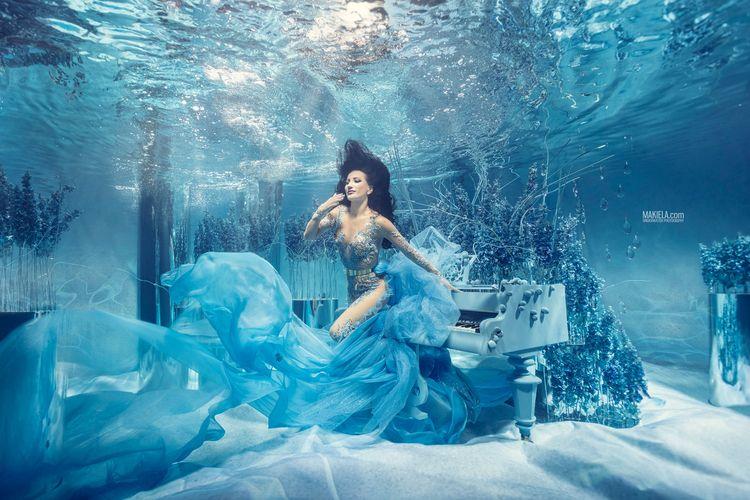 Deep Blue model: Justyna Steczk - rafalmakiela | ello