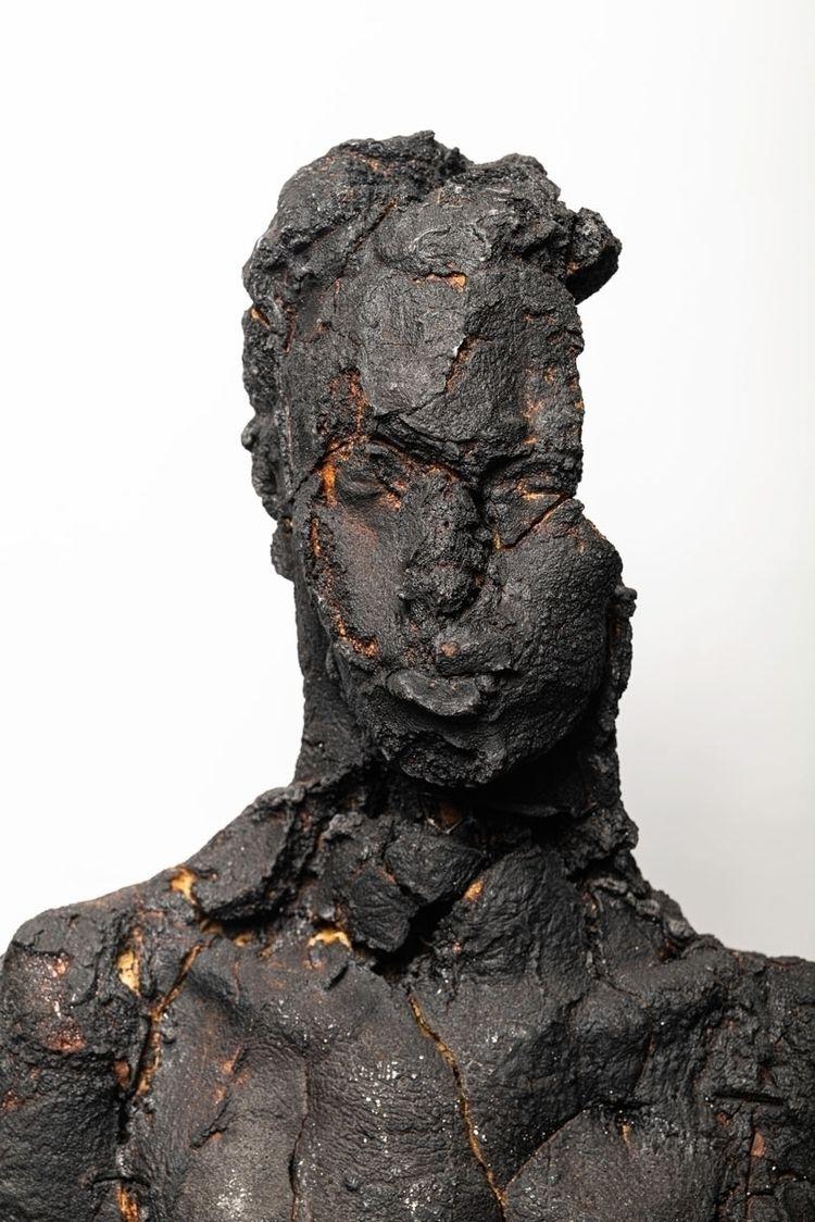 Black Brun Bread Sculpture Phot - fumogallery   ello