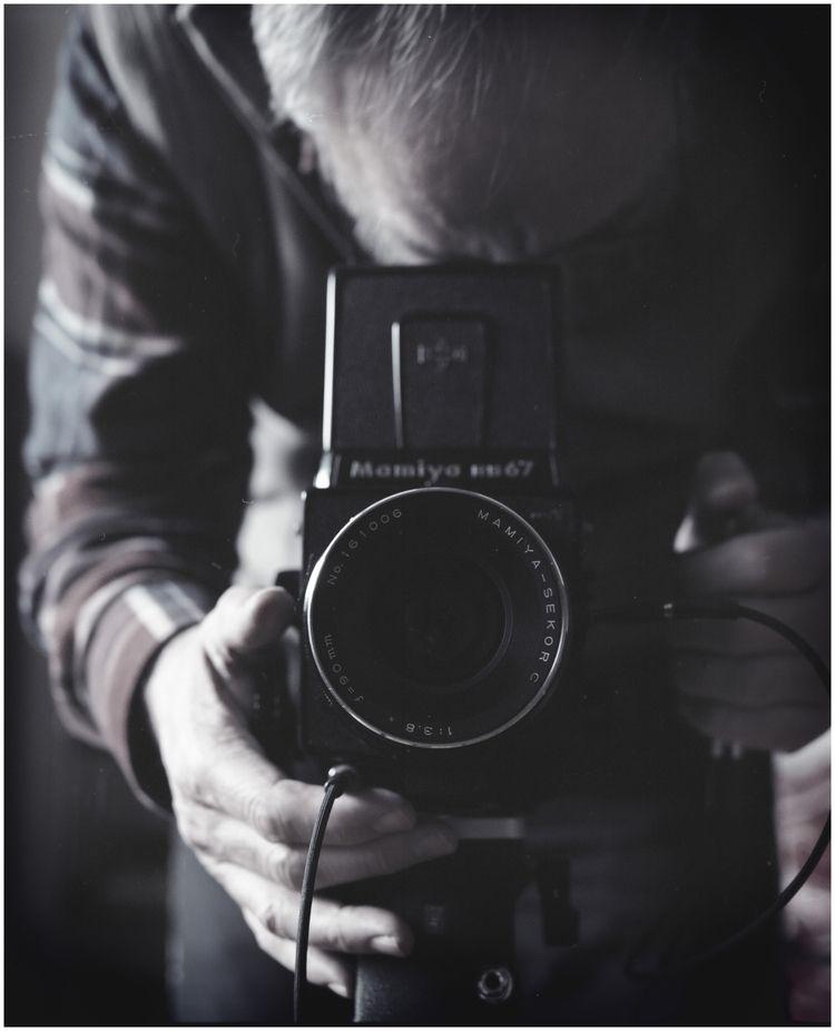 Photographer Buster) Mamiya RB6 - hjsphoto | ello