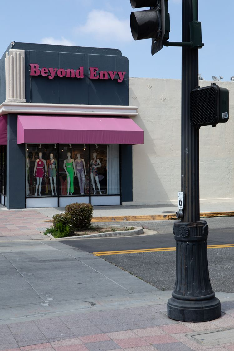 Clothing Store, Market St, Ingl - odouglas | ello