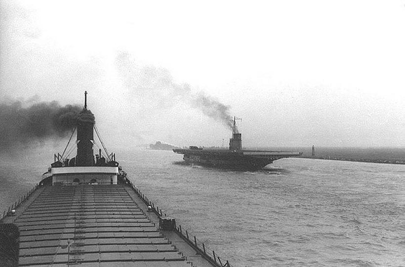 aircraft carrier Michigan! Spec - oldendaze | ello