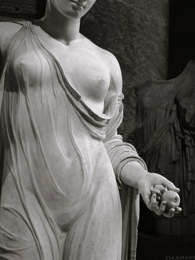 Goddess: Aphrodite called Venus - daaram   ello