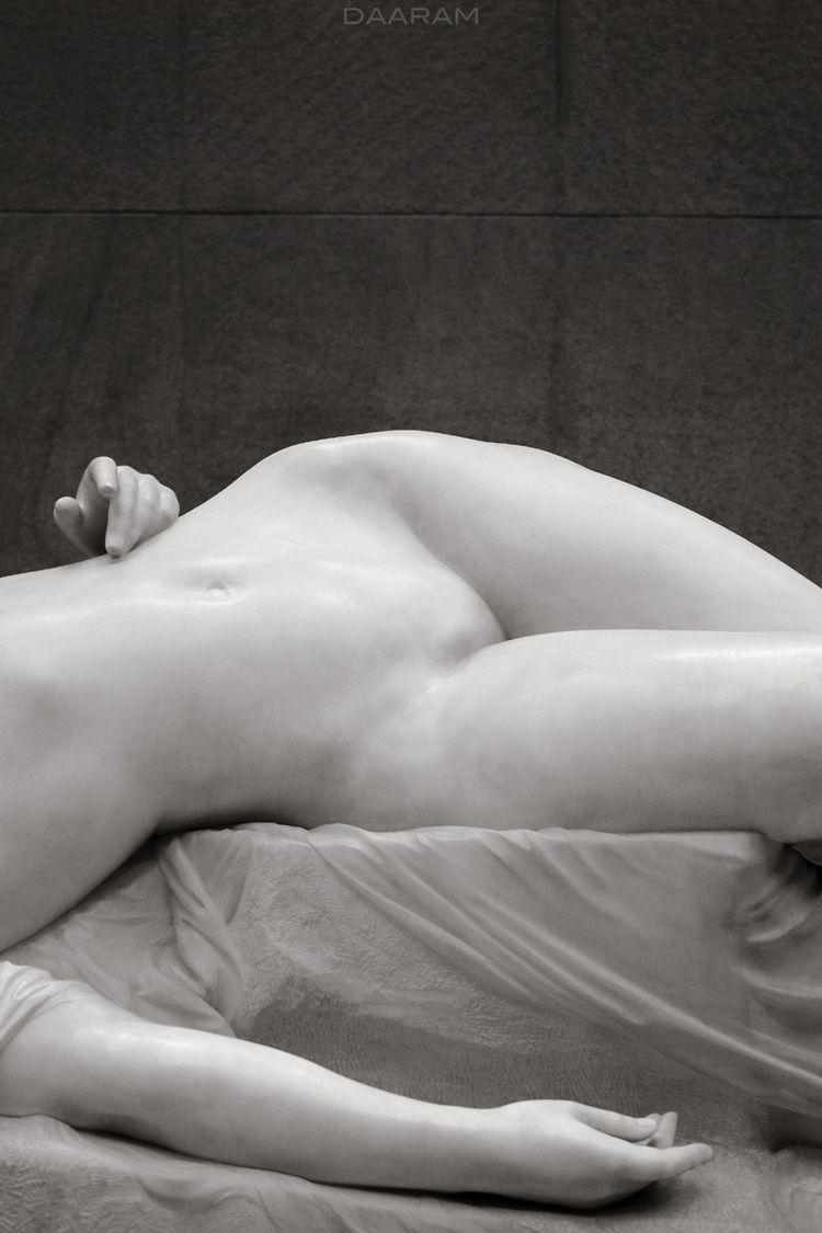 Young Tarentine: Statue sculpte - daaram   ello