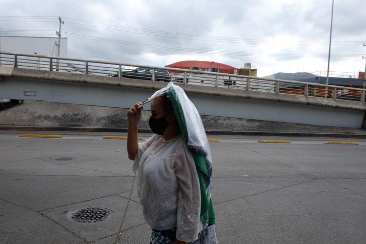streetphotography, mexico, CDMX - alexcoghe | ello