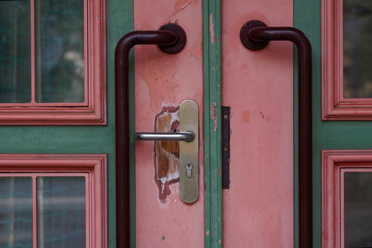 Château - photography, doors, architecture - marcushammerschmitt | ello