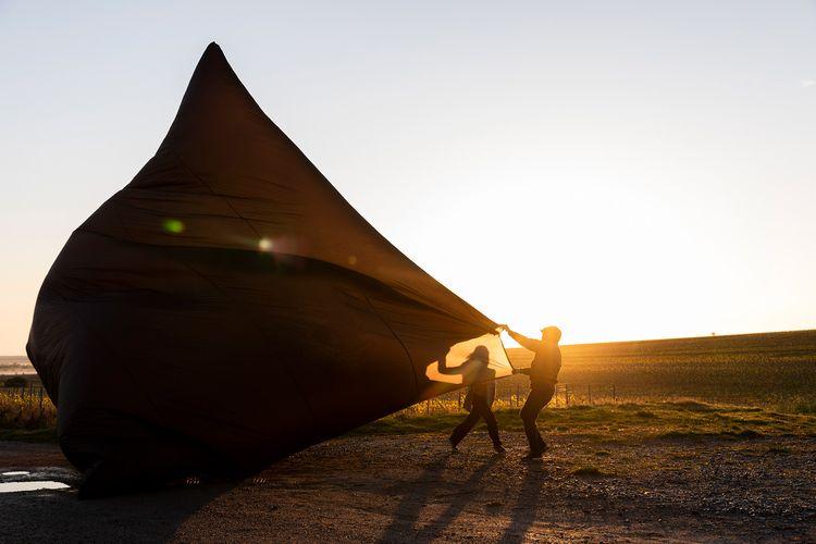 aerosolar sculpture anchored en - gessato | ello