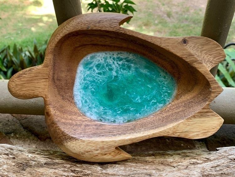 Beautiful Ocean Resin Honu Bowl - flatterydesigns | ello