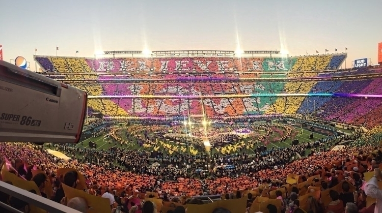 """""""The #SB50 halftime show offered this unreal visual."""" @NFLonCBS on Twitter (20160207_204553 EST).jpg"""