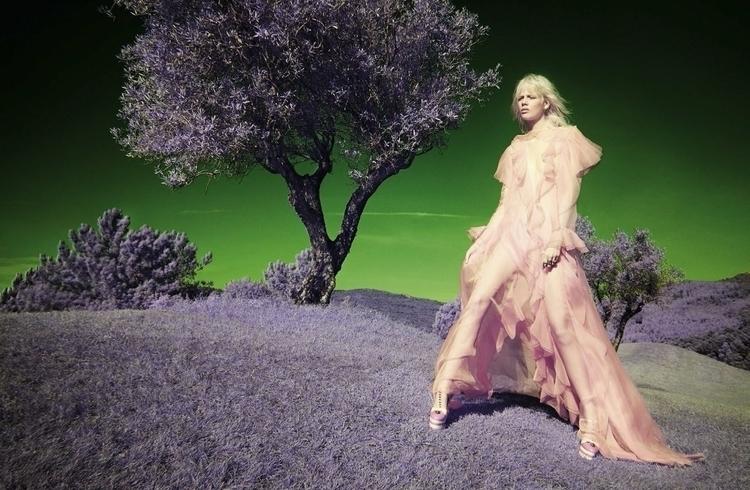 Vogue_Italia-January_2016-Marjan_Jonkman-by-Solve_Sundsbo-04.jpg