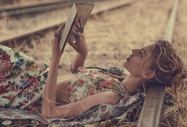 Vogue-Australia-March-2016-Ondria-Hardin-by-Will-Davidson-01aw-620x419.jpg