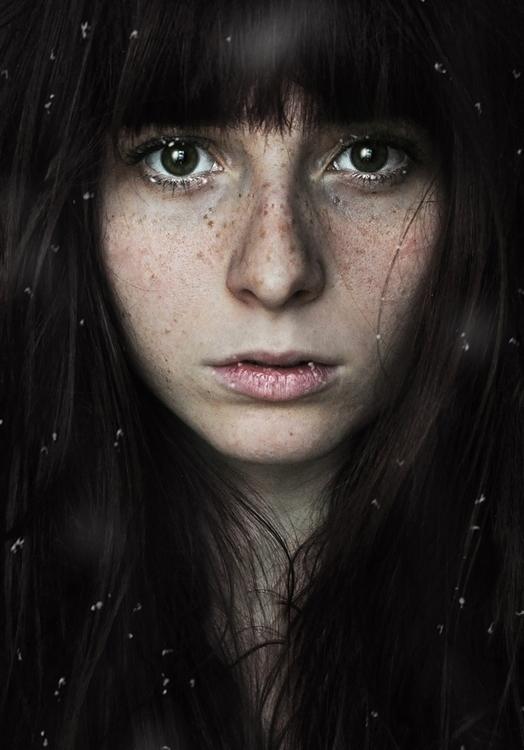 Estelle Vincent - self-portrait - Frozen.jpg