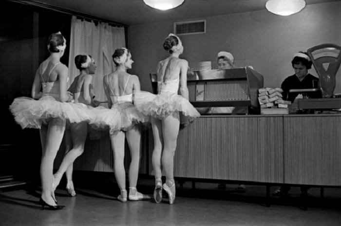 Soviet ballerinas.jpg