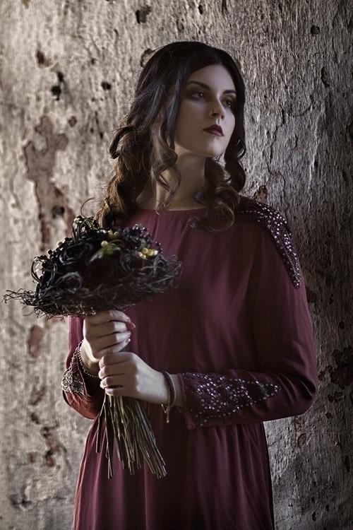 Akis Zaralis - Vaso Dova - mua Xara Mitrofani - florist Sotirios Manolis - Silence.jpg