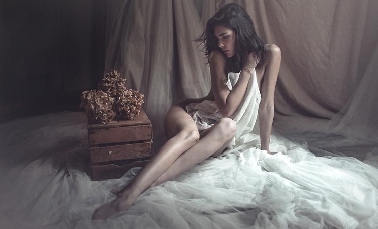 Andrea Cantova - Andreea Mariana Nedelcu - mua by mdl - Intimacy-Carezza.jpg