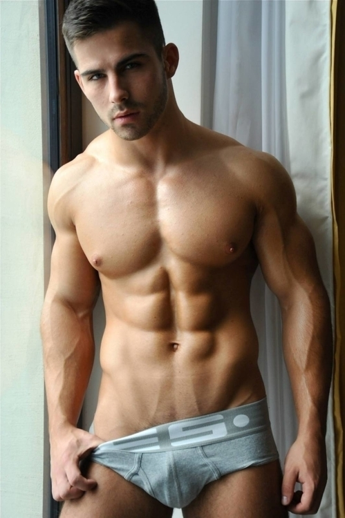 Roman Dawidoff Fitnes model.jpg