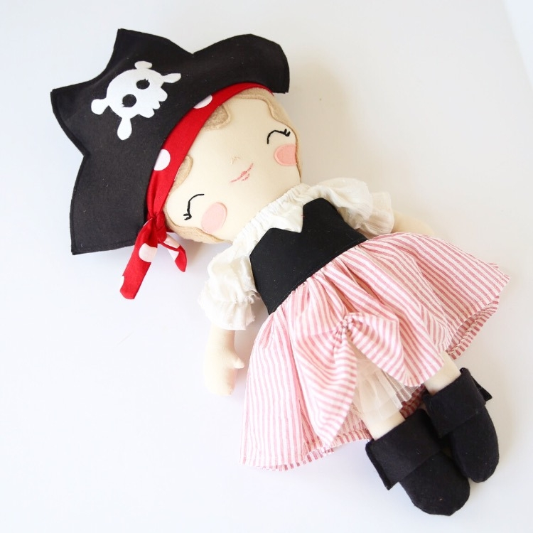 Pirate girl.png