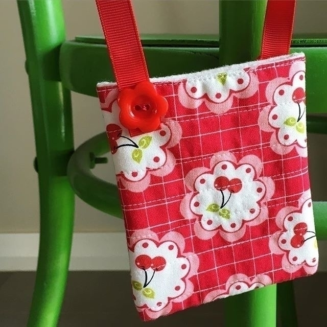 cherry bag handle.jpg
