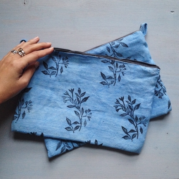 flower pouch.JPG
