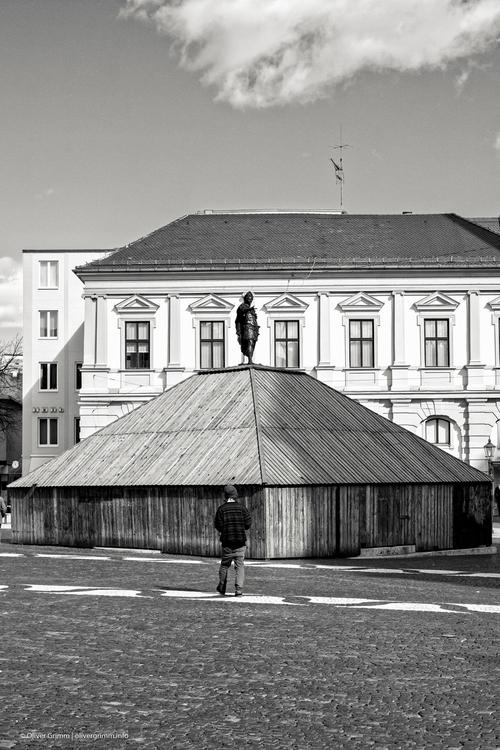 2016-03-29_Rathausplatz_Rollei_mid.jpg