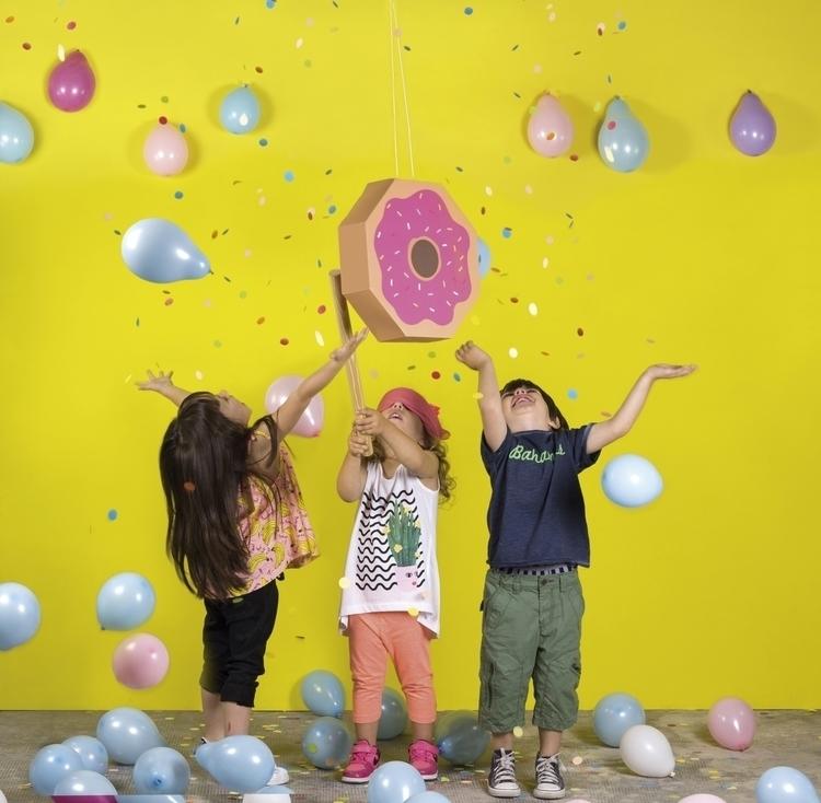 pinata-donut-fiestafacil.jpg