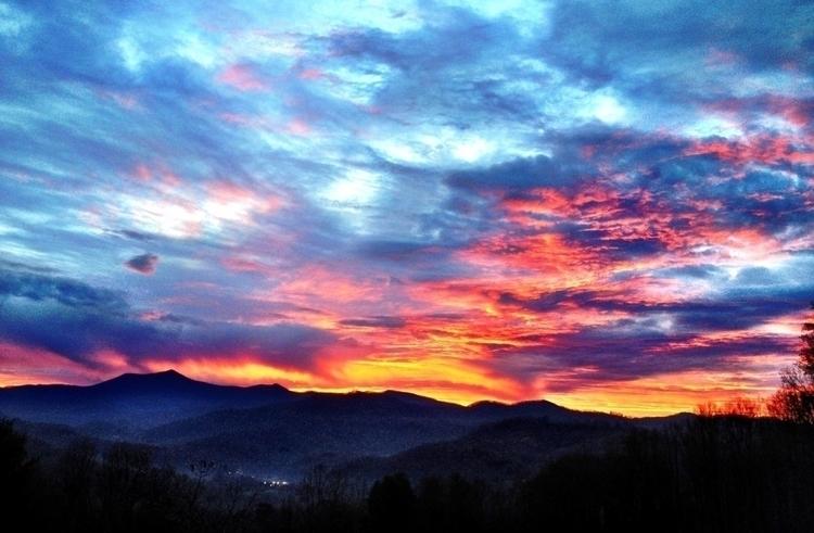 NC sunrise 05.19.13.1.jpg