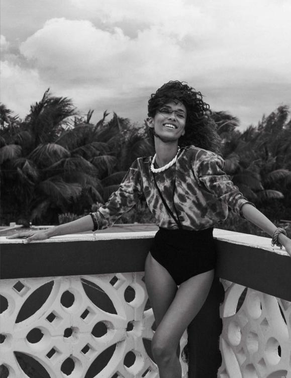 Photography by Benny Horne. Fashion editorSara Fernández. Hair by Mark Hampton. Makeup by Emi Kaneko. Model Anais Mali. For Vogue Spain.9.jpg