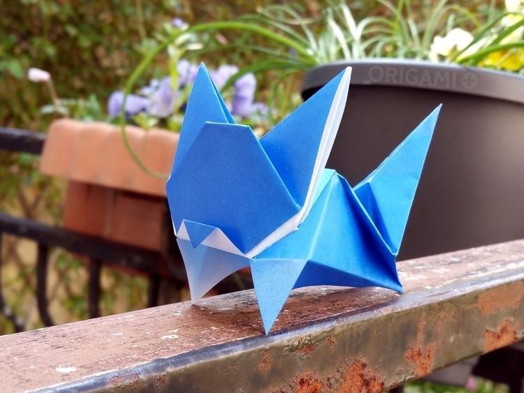 blue-leaping-cat-origami-plus.2800x2100.jpg