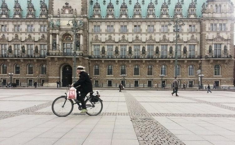 Hamburger Rathaus.jpg