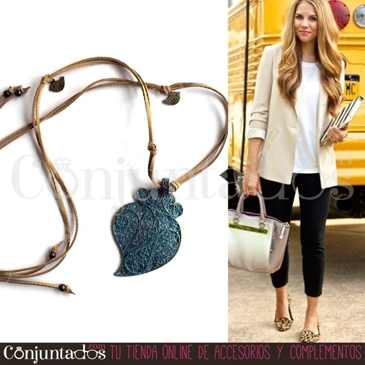 collar-artesanal-corazon_ outfit02.JPG