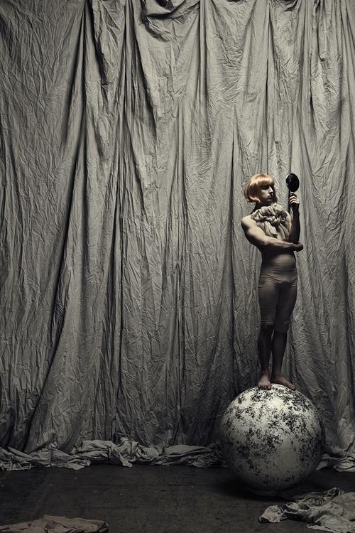 Maja Karen (Maja-Karen-194048130634546) - Michiel Tange van Leeuwen - Everyday Circus.jpg