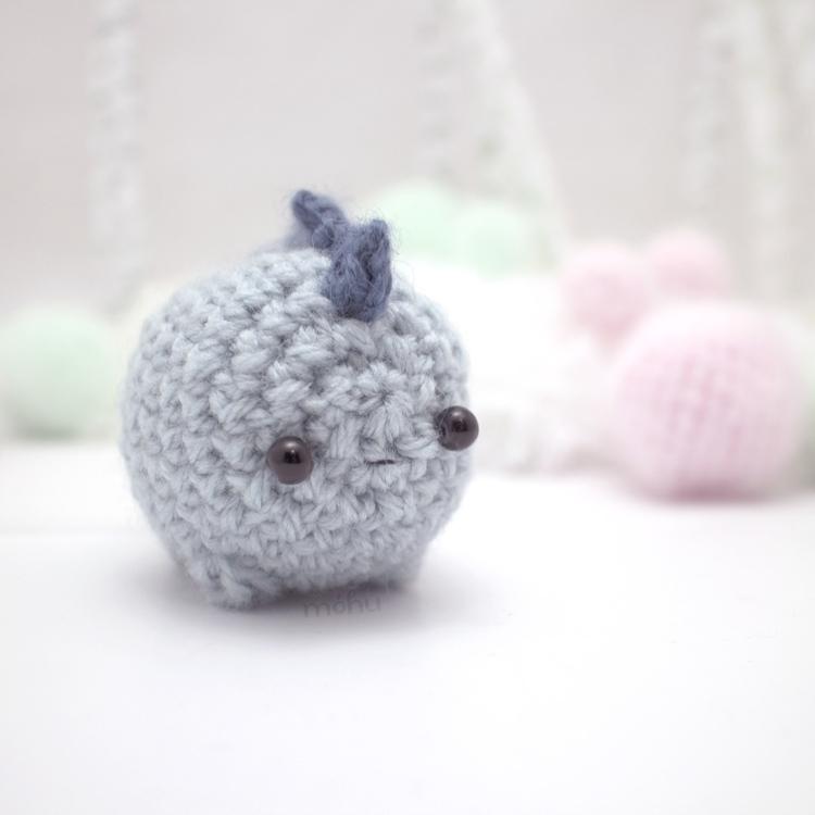 crochet stegosaur 1.jpg