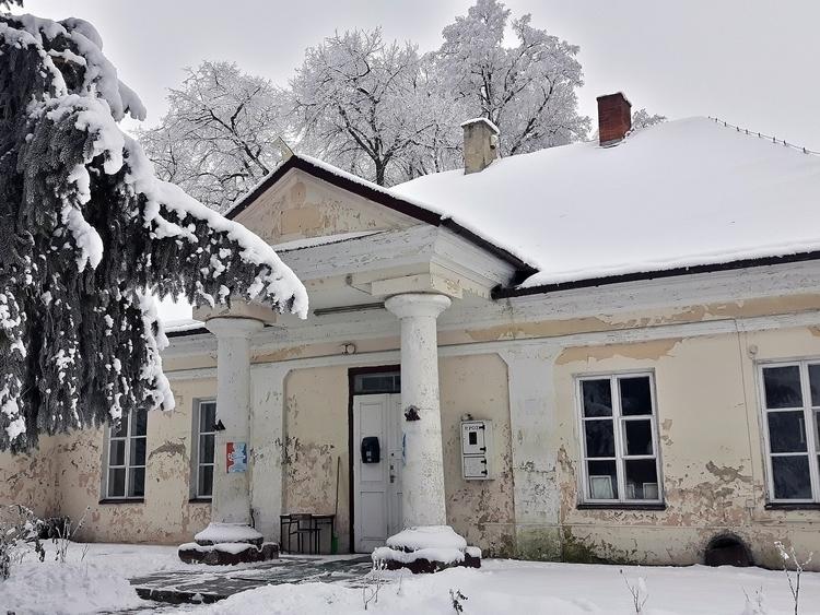 Dwór Wierzbicy - Kraszczady zim - matyjaszewski | ello