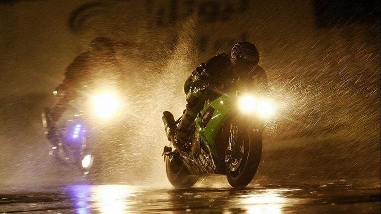 Some people walk rain, wet. Rog - motolocosb | ello