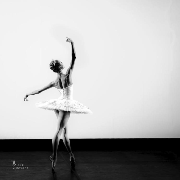 Ballerina - jackdevant | ello