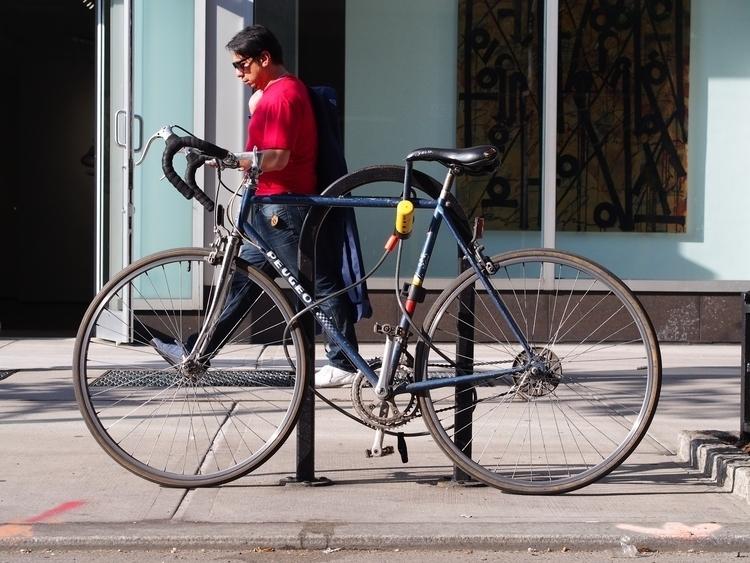 Texting ;) - BikesOfNYC NYC New - bikesofnyc | ello