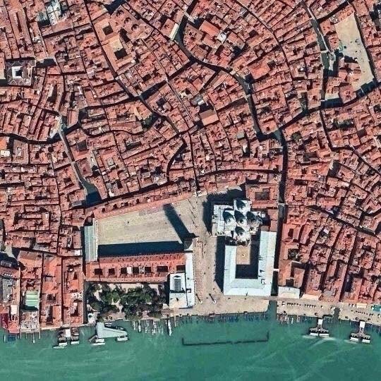 Plaza de San Marcos. Venecia De - okamika   ello