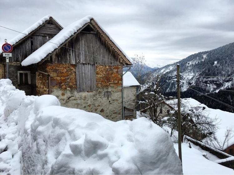 realsnow cabin mountain italy - howsweetthesting | ello