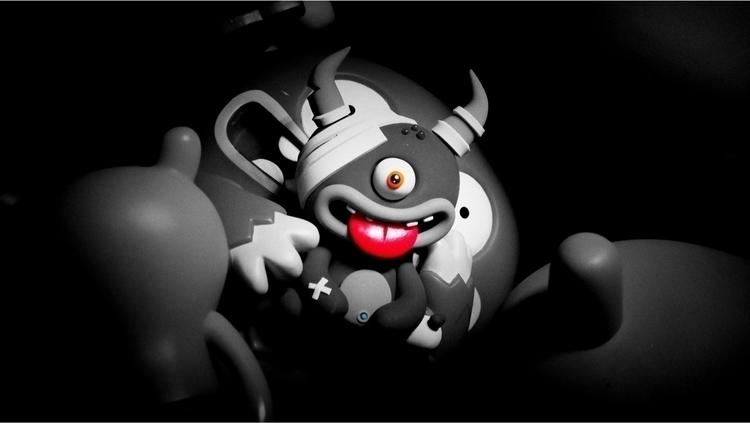 Monstruo en la penumbra. - pec74x_x | ello
