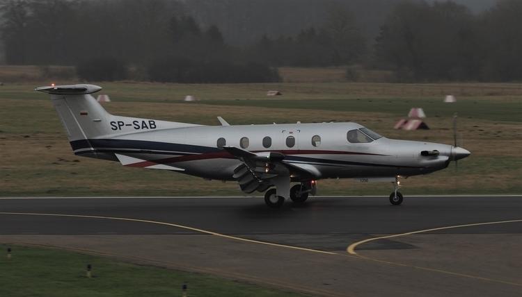 Pilatus PC12 SP-SAB På jorden i - ekvd   ello
