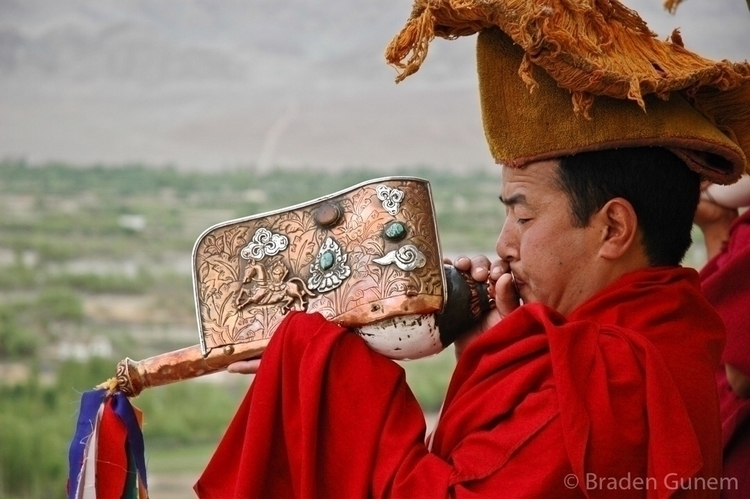 The Tibetans wake calls india l - bradengunem | ello