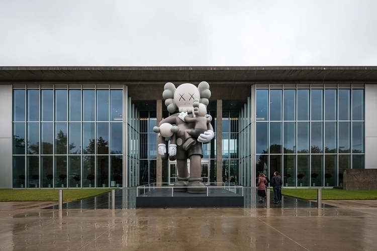 KAWS: Starts prolific career, K - ellodocuments | ello