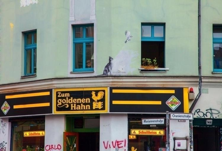 Oranien-Mariannenstraße Kreuzbe - sandromartini | ello