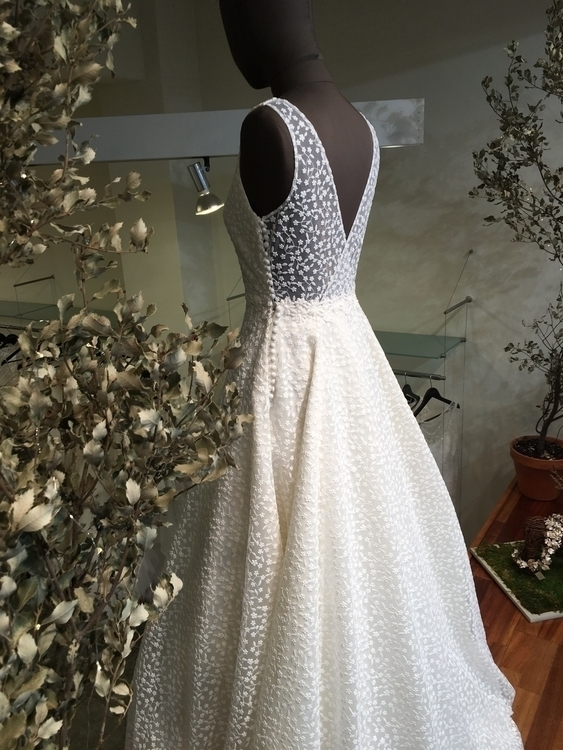 ! ❤️ vestido de Jordi Anguera w - jordiangueranovias | ello